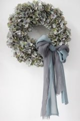 Grayish Wreath